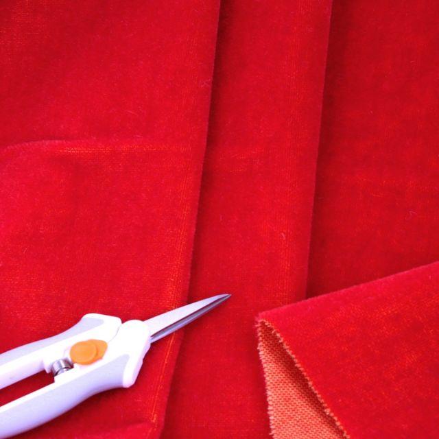 4mm Dense Straight Red Lt Gold Backing Mohair