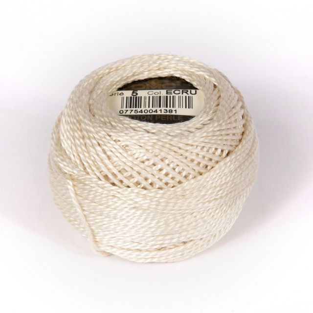 No 5 Ecru Cotton Perle Ball