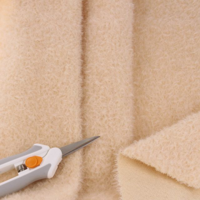7mm Pale Clotted Cream Ratinee Mohair