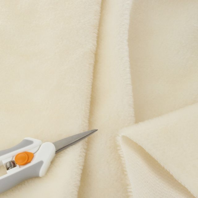 7mm Straight Ivory Mohair
